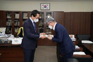 NH농협 서울지역 이대엽본부장 감사패 전달